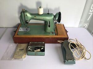 Husqvarna Vintage Viking Sewing Machine Type 18 +Accessories, manual & hard case