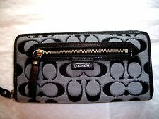 COACH DAISY OUTLINE SIGNATURE ZIP AROUND WALLET 49469 NWT MOONLIGHT NWT