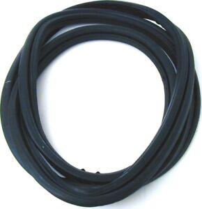 Windshield Seal URO Parts 1166710120