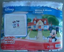 Mantel de Plástico Disney Original Mickey & Minnie 125 x 135 cms. -licenciado
