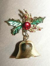VINTAGE GOLD TONE HOLLY BERRY W/DANGLE BELL ENAMEL CHRISTMAS PIN BROOCH