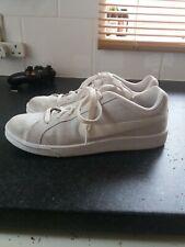 Nike woman shoes size 7