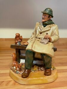 """RARE ROYAL DOULTON """"LUNCHTIME"""" OLD MAN FEEDING SQUIRRELS MODEL No. HN 2485"""