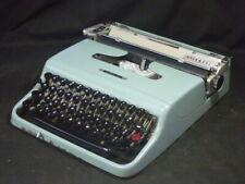Vintage Olivetti Lettera 22 Portable Typewriter Office Desk Retro Antique Old