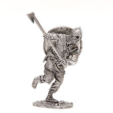 tin 54mm VR48 Viking with broad axe 1/32