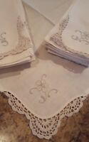 VINTAGE ◇ SET OF 10 ◇  EMBROIDERY CROCHET LINEN NAPKINS ◇ 15 SQUARE INCH