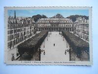 """CPA """"Nancy - Place de la carrière - Palais du gouvernement"""""""