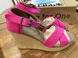 TOMS Womens Strappy Wedge Size 7.5, Pink, NIB