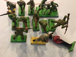 Britains Detail Assorted Lot Of Vintage Plastic Soldiers And Bozoooka Team