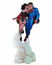 DC Collectibles Superman and Wonder Woman The Kiss Statue *REPAIRED* F