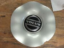 94-00 Volvo 850   70 series center cap  560-70190