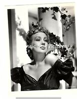 L45 Ann Southern close up not sure what movie ?  vintage photo