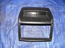 Kia Carnival VQ MB 136KW Verkleidung Blende Armaturenbrett Digitaluhr R153