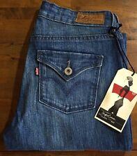 LEVI'S CURVE ID SLIGHT CURVE CLASSIC BOOT CUT LEG Jeans - Women's 2 Medium NWT
