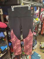 New With Tags Women's Under Armour Heat Gear Black Pink Capri Pants Size Medium
