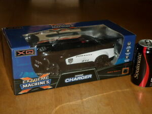 RADIO CONTROLLED - POLICE CAR [DODGE] CHARGER, BATTERY OP. (27 MHz) WIRELESS