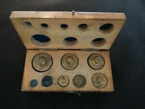 VINTAGE BRASS APOTHECARY WEIGHTS IN WOODEN BOX