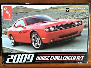 1/25 AMT 2009 Dodge Challenger R.T