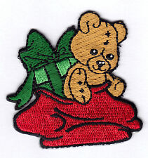 CHRISTMAS - TEDDY BEAR & PRESENT - ANIMALS - IRON ON EMBROIDERED PATCH