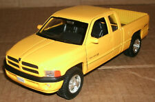 1/24 Scale 1999 Dodge Ram Quad Cab 1500 Sport Diecast Model - Welly 29392 Yellow