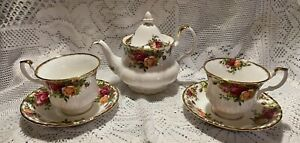 1962 Royal Albert Bone China: Old Country Roses Tea Pot With Two Cups & Saucers