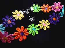 A LADIES GIRLS PRETTY COLOURFUL  DAISY FLOWERS  FESTIVAL CHOKER NECKLACE . NEW.