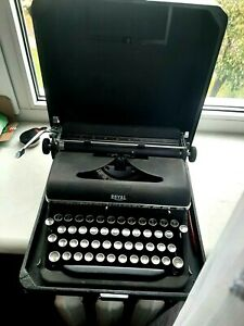 royal de luxe typewriter 1939