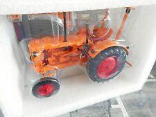HANOMAG R28 FARM TRACTOR WITH ROOF 1953 Traktor orange Minichamps SP ! 1:18