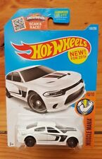 HOT WHEELS 2016 MUSCLE MANIA 10/10 '15 DODGE CHARGER SRT 130/250 WHITE (A+/A)