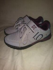 Five Ten Kestrel Lace Women's 7 Clipless Shoe: Maroon /Onix MTB Excellent Cond!!