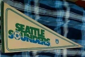 SEATTLE SOUNDERS VINTAGE 1980S ORIGINAL BANNER