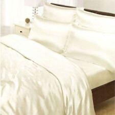 Linge de lit et ensembles blanche en satin pour chambre