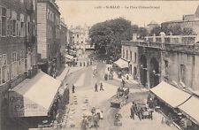 SAINT-MALO 1108 la place châteaubriand attelage voitures café de paris