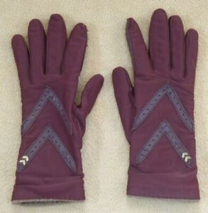 Brown Aris Isotoner gloves, 1 size, Nylon/Spandex outer, 100% Cashmere lining