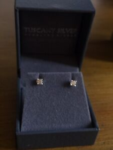 Solid 18ct White Gold Solitaire Diamond Earrings