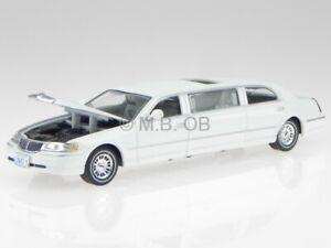 Lincoln Town Car 2000 white modelcar 36312 Vitesse 1:43
