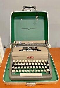 Vtg 1958 Royal Aristocrat Portable Manual Typewriter 2 Tone Gray Beige Case Key