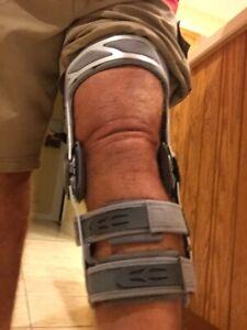 DONJOY Left Knee Brace