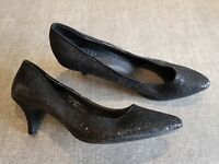 F&F size 5 (38) black faux snakeskin leather slim heel court shoes