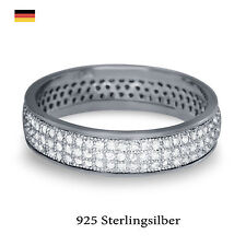 Synthetisch hergestellte Ringe im Band-Stil mit Edelsteinen
