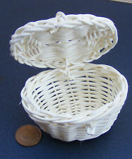 Large Oval Wicker Basket 7.7cm x 6cm With An Opening Lid Tumdee Dolls House Zj