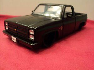 Jada 1985 Chevrolet C10 Pickup  1:24 Scale New no box  2019 release