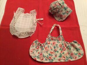 Vêtements pour poupée BLEUETTE  : 2 tabliers. : copie G.L et Semaine de Suzette