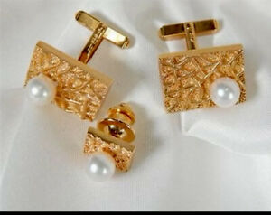 Estate 18k Gold And Pearl cufflinks With matching Tie Tack  16.65G Scrap Or Wear