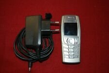 Mobiltelefon Nokia 6610i mit Ladekabel