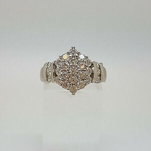 Lovely 18ct White Gold Ladies Cluster Ring.  Goldmine Jewellers.