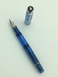 Pelikan Füllfederhalter M205 - Transparent blau, Special Edition 2009