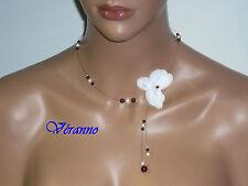 Collier orchidée 2 bordeaux et blanc. Bijoux mariage.
