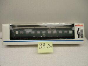 BB-16 MARKLIN HO 43220 DB Express 2nd Class Passenger Car