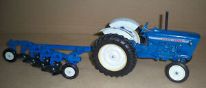 FORD 4000 TRACTOR WITH 4 BOTTOM PLOW Old Farm Toys Ertl
